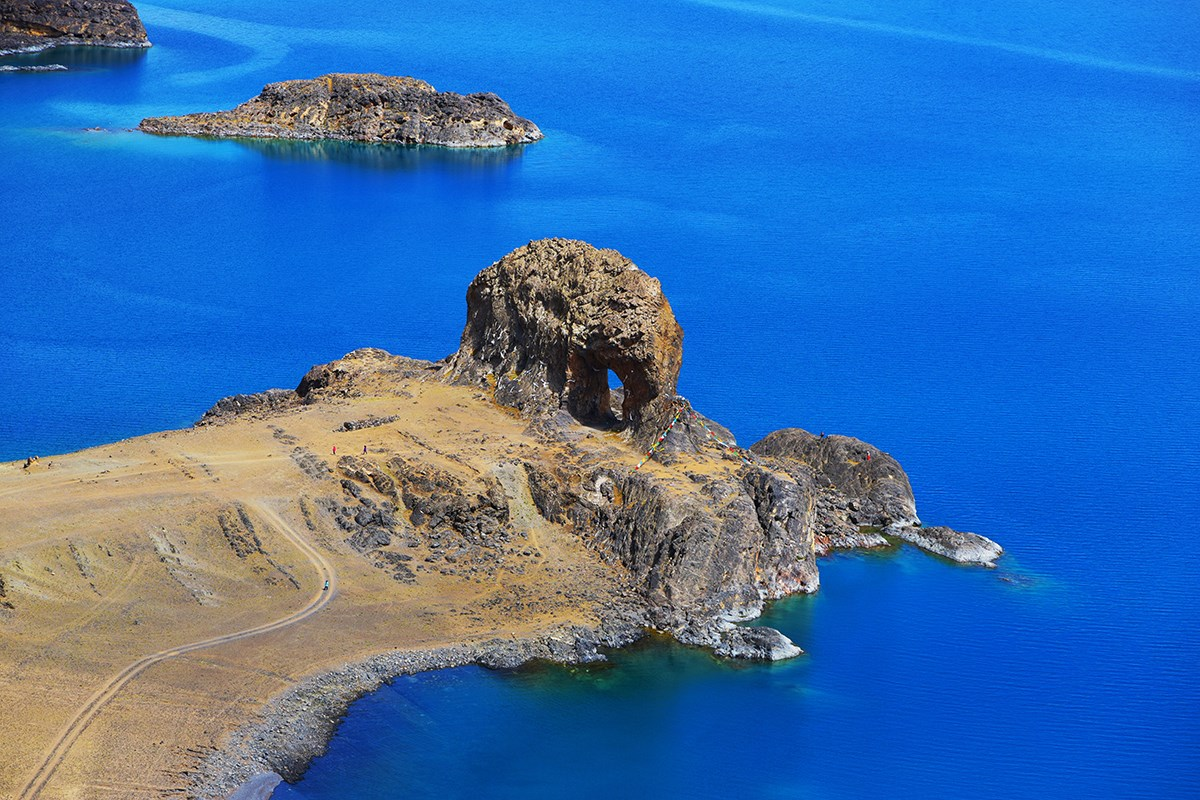 Nam Tso Holy Elephant Gate