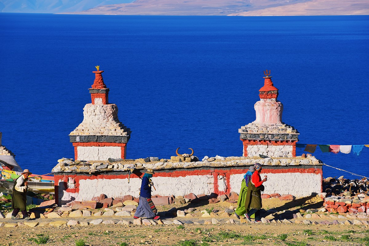Stupa by Dangra Tso