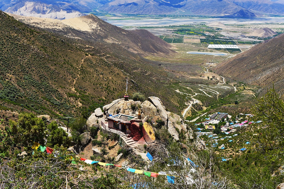 Samye Chimphu Nunnery and Hermitage Caves