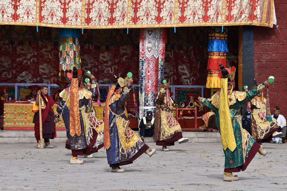 Mask Dance Festival during Great Prayer in Summer | Foto da Yang Zeru